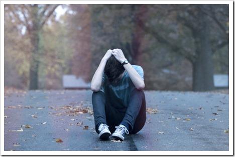 alone-boy-cry-